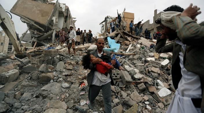 Serangan udara yang dipimpin Saudi membunuh 14 warga sipil, termasuk anak-anak.jpg